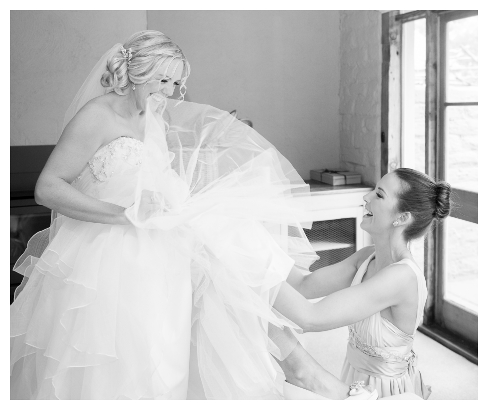 garter, tussie mussie wedding preparation, peninsula wedding photographer